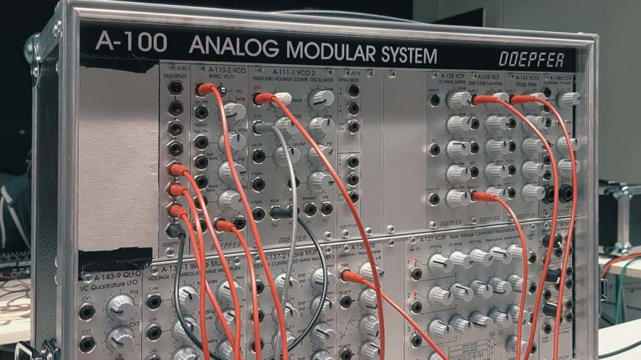 Analog synthesizer workshop