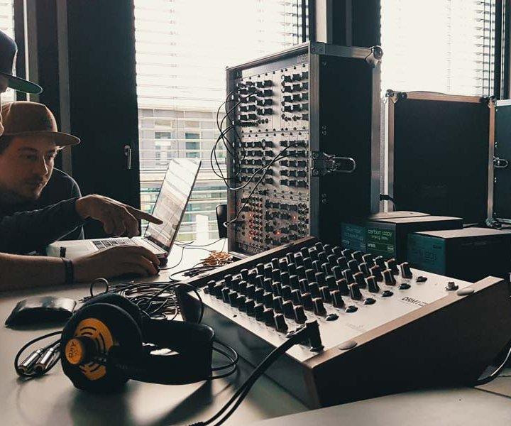 Analog synthesizer workshop